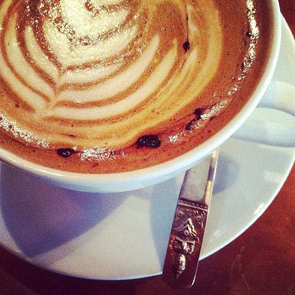 Flat White Coffee @ Spiffy Dapper Coffee