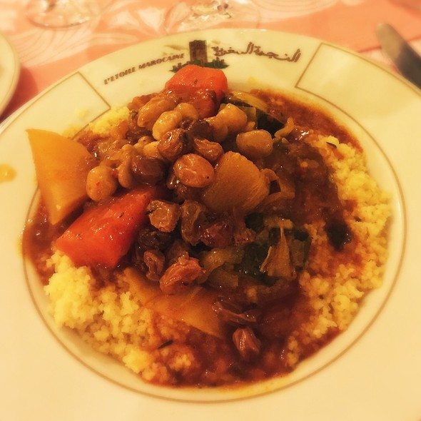 Couscous With Vegetables, Chickpeas, And Raisins @ L'Etoile Marocaine