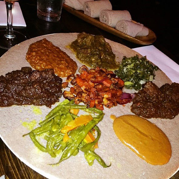 4 Meat Plates With 4 Vegetarian Sides @ Injera