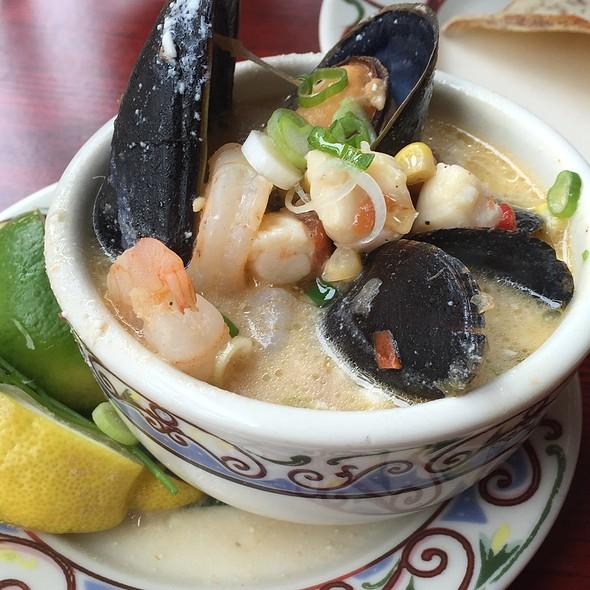 Levanta Muerto Seafood Soup