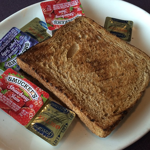 Lakeville (NY) United States  city pictures gallery : Whole Wheat Toast at Omega Diner Restaurant in New Hyde Park, NY