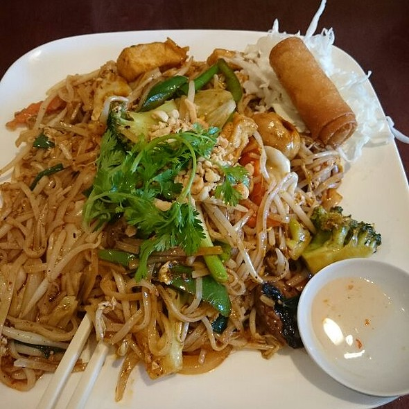 Pad Thai @ Bangkok Orchid Thai Restaurant