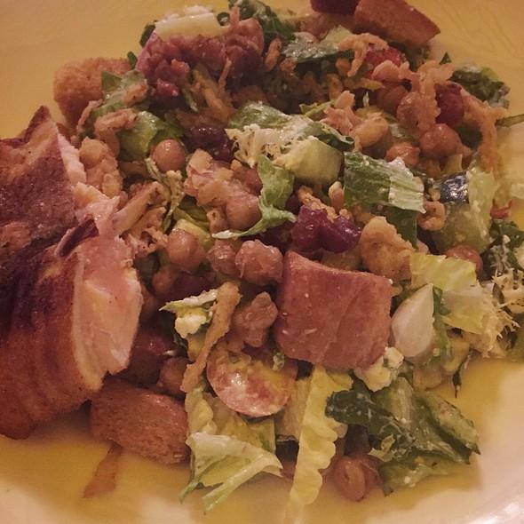 7L Salad @ Seven Lions