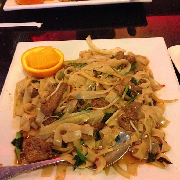 drunken noodle @ East Moon Asian Bistro