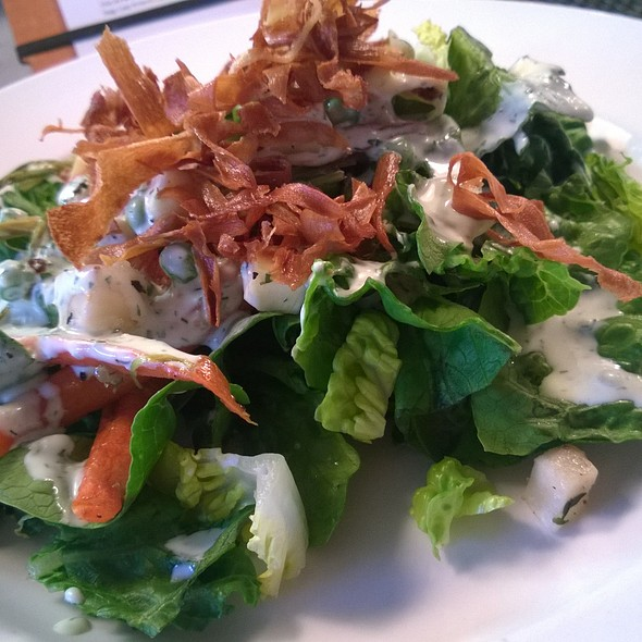 Spring House Salad @ Quicks Hole