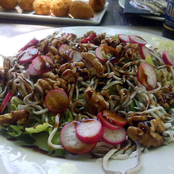 Fake baby eel, nuts, radish and lettuce salad @ Restaurante Alaska
