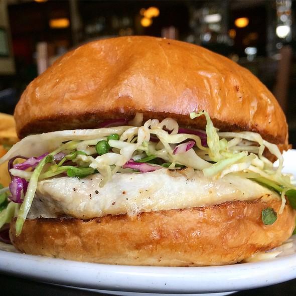 Tuna Burger @ DeVeres Irish Pub