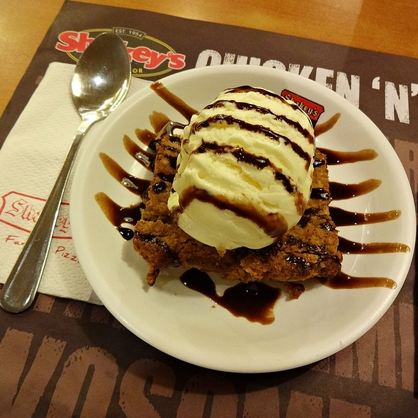 Oatmeal Raisin Cookie ala Mode @ Shakey's Pizza SM City Iloilo
