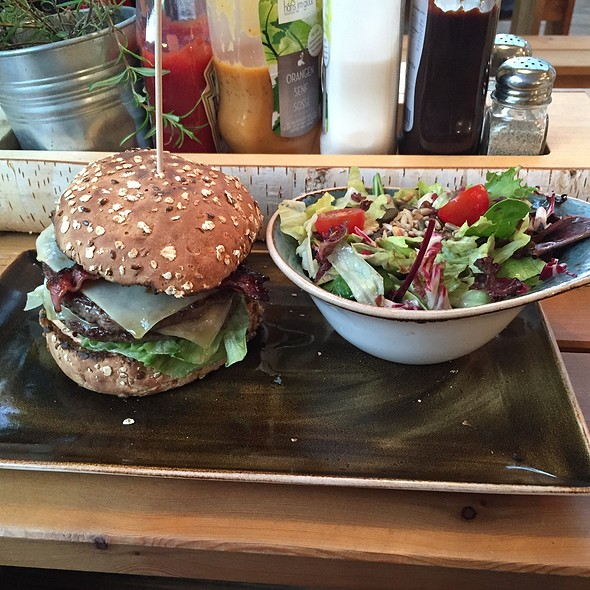 Lagerfeuer-Burger @ Hans im Glück Burgergrill