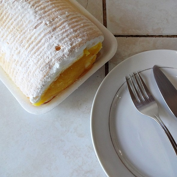 Brazos De Mercedes @ Carlo's Bakeshop and Cafe