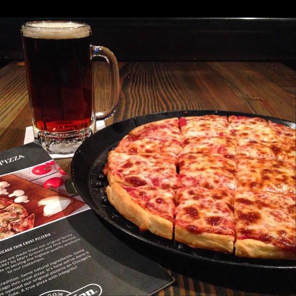 cheese pizza - Home Run Inn Pizza - Bolingbrook, Bolingbrook, IL