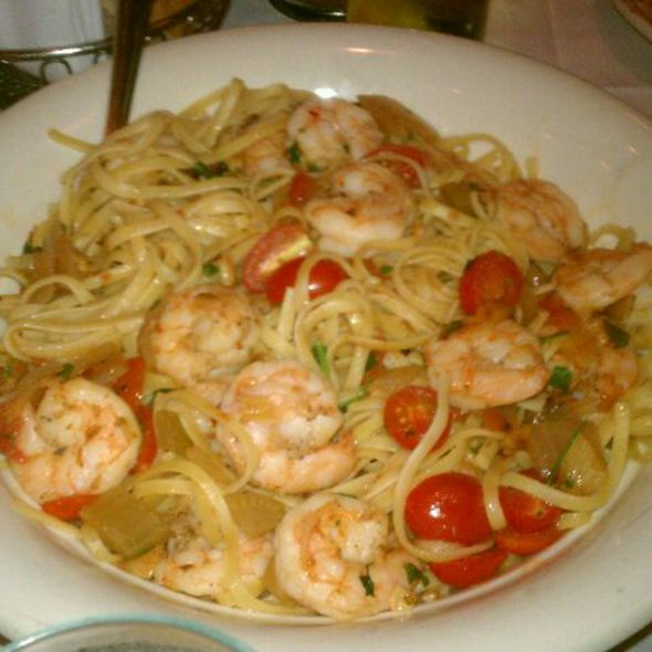 Garlic Shrimp And Linguine @ Maggiano's Little Italy