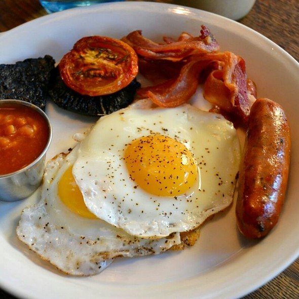 Full And Proper English Breakfast Set @ The Riding House
