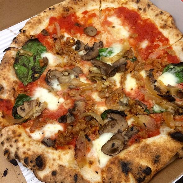 Tutta Bella Pizza