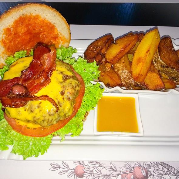 Bacon Cheeseburger @ ...Said The Butcher To The Cow