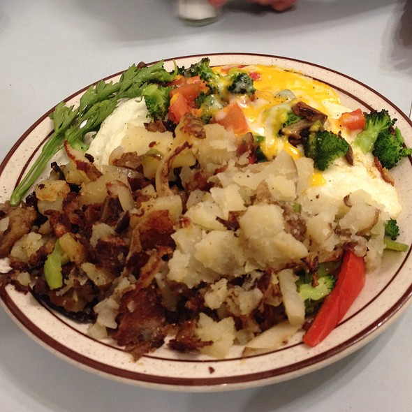 Veggie Omelette And Potatoes