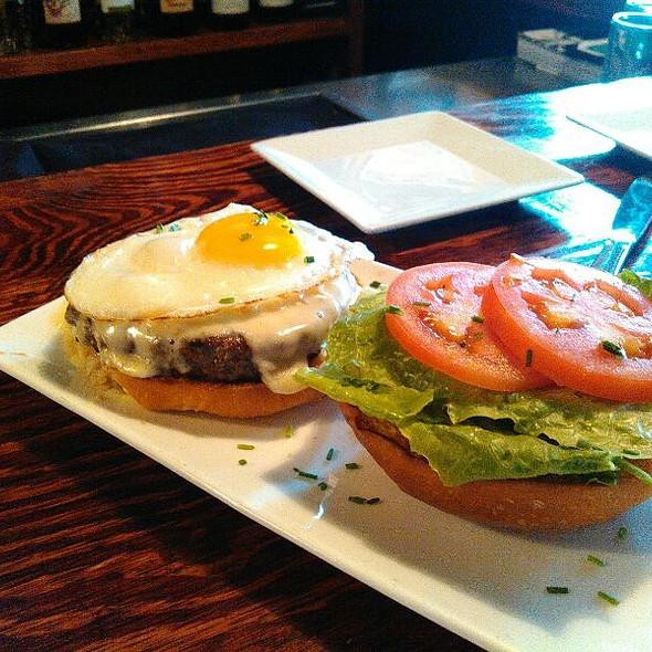 Carne Burger @ Tapas On Main