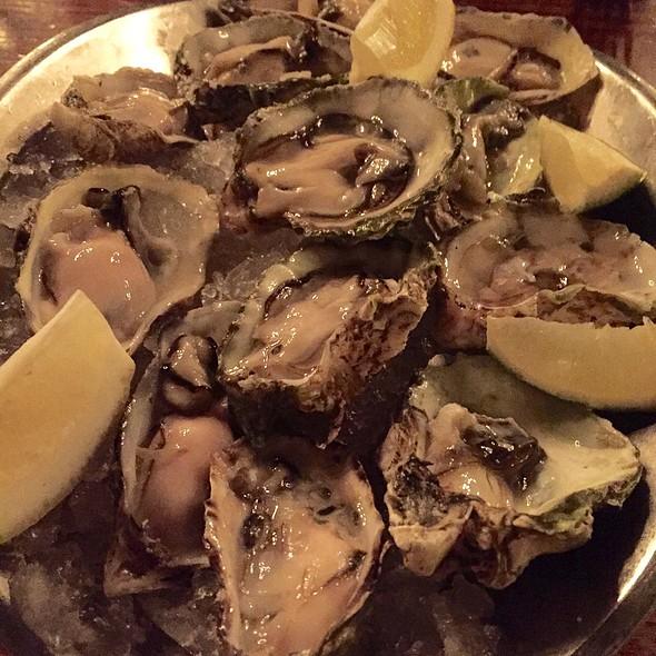 Dozen Raw Oysters