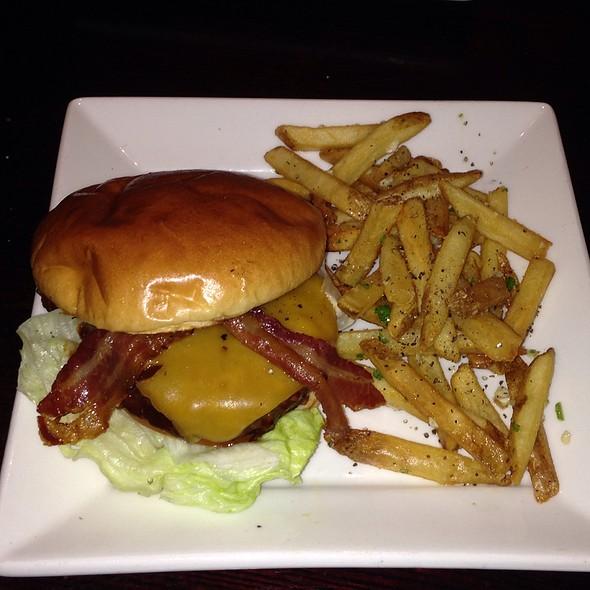 Marzan Bbq Burger - Gordon Biersch Brewery Restaurant - Park Lane, Dallas, TX