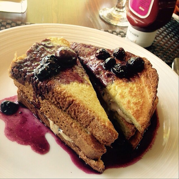 Stuffed French Toast - Lambertville Station, Lambertville, NJ
