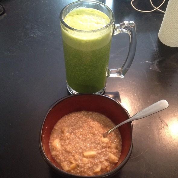 Steele Cut Oats W Apple & Cinnamon, Green Protein Drink @ Kennedy's Kitchen