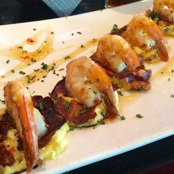 Five Pepper Shrimp & Grit Cakes