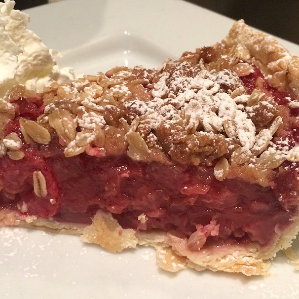 Strawberry Rhubarb Pie @ Rachel's Cafe