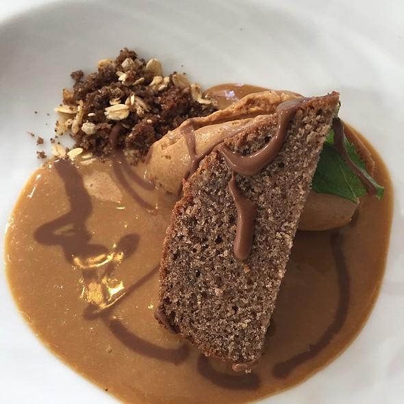 Tarta Humeda De Chocolate Con Helado De Dulce De Leche