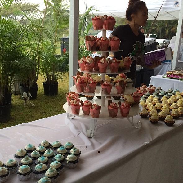 Cupcake Tower @ Kualoa Ranch