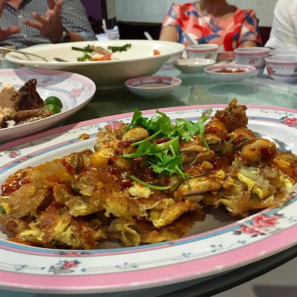 Crispy Oyster Omelette  @ Beng Hiang Restaurant Pte Ltd