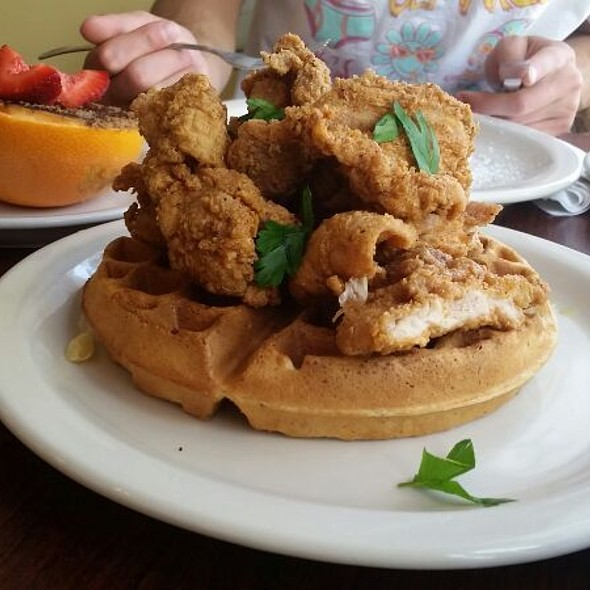 Chicken and Waffles @ The Hummingbird