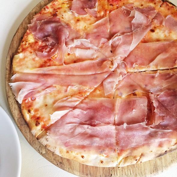 Parma Ham Pizza @ Bacco–Osteria da Sergio