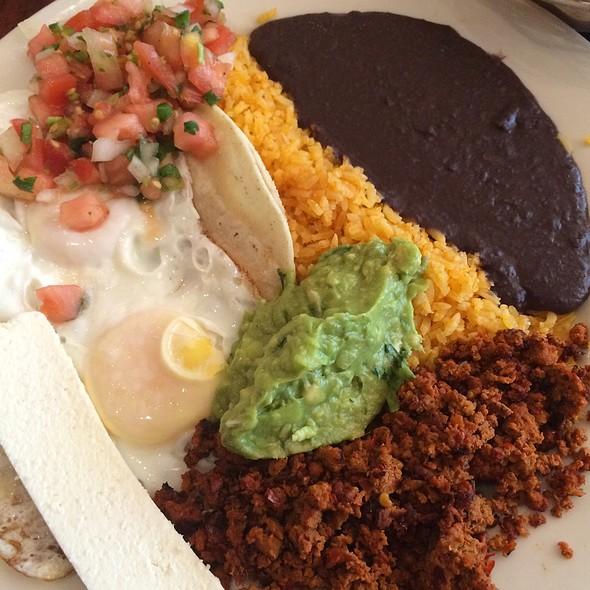 Huevos Rancheros Con Chorizo - Noche Mexicana, New York, NY