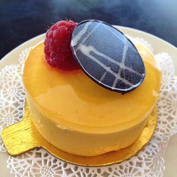 Mini Mango Mousse @ Chocolate Fashion