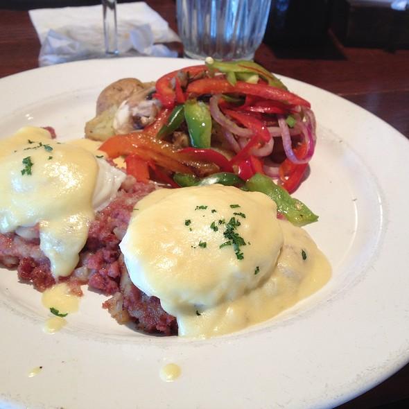 Corned Beef Hash Benedict @ Mimi's Cafe