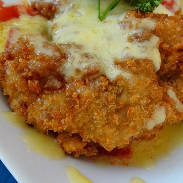 Chicken Mozzarella Melt @ Mooon Cafe