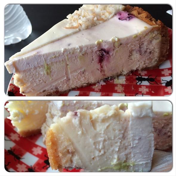 Lemon Blackberry Cheesecake @ Otto Cake