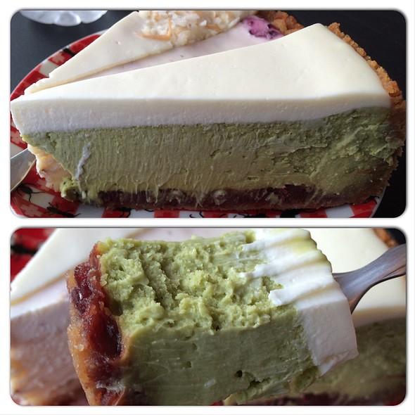 Greentea & Azuki Beans Cheesecake @ Otto Cake