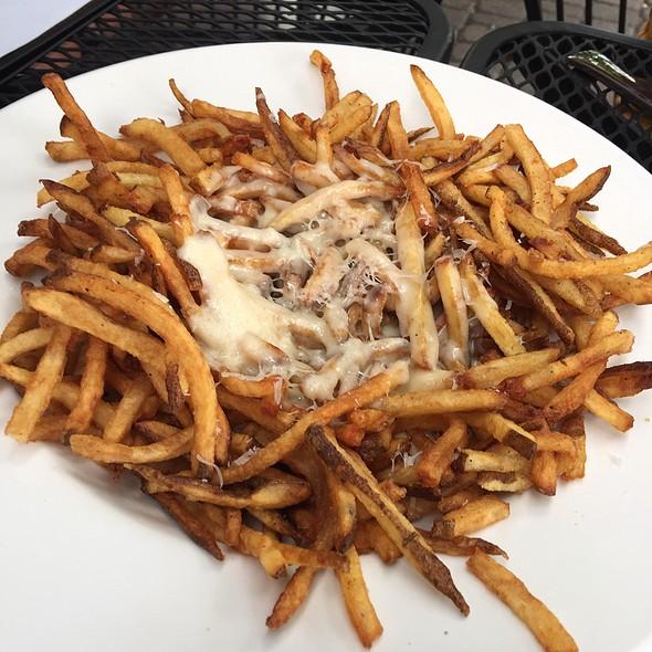 French Fries Rarebit @ Commons 1882