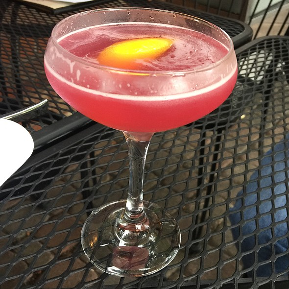 Noise And Color Cocktail @ Commons 1882