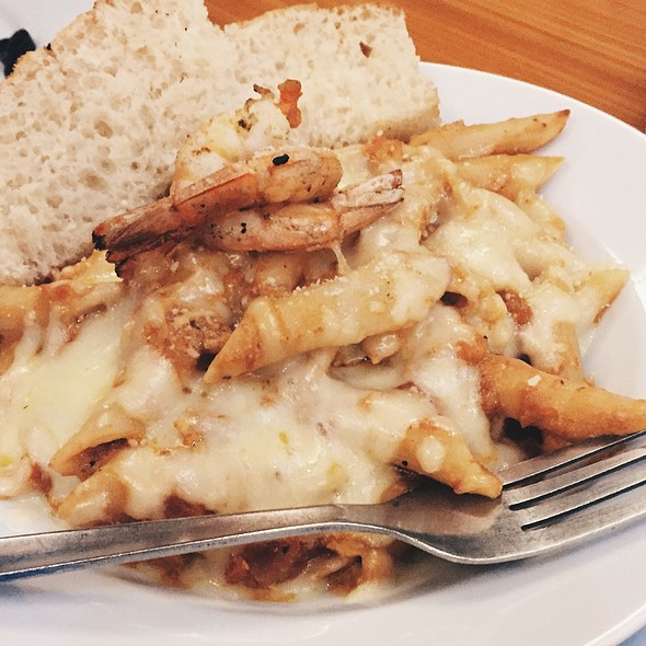 Baked Penne With Shrimp And Chicken