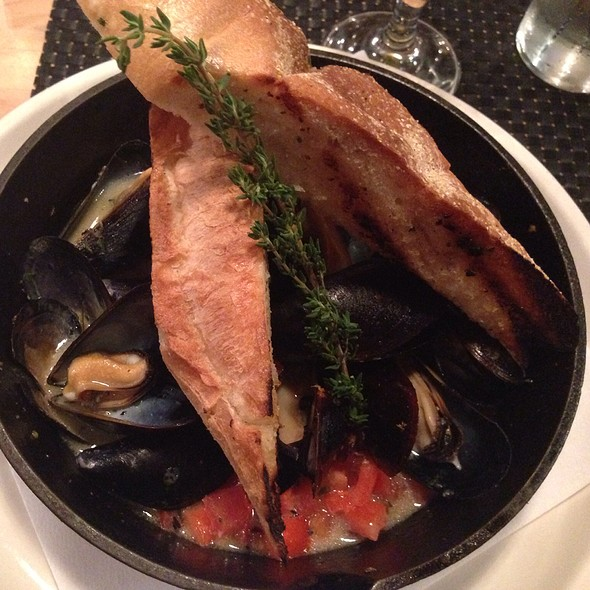 Wood-Oven Mussels