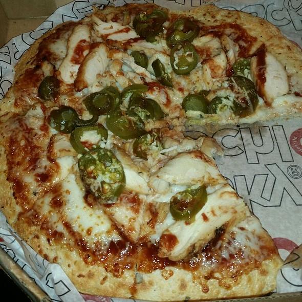 BBQ Chicken & Jalepeño Pizza