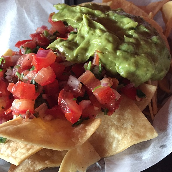 Chips With Guacamole And Salsa
