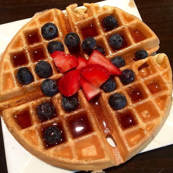 Blueberry & Strawberry Waffle - Dapur Asian Tapas & Lounge, Fort Lauderdale, FL