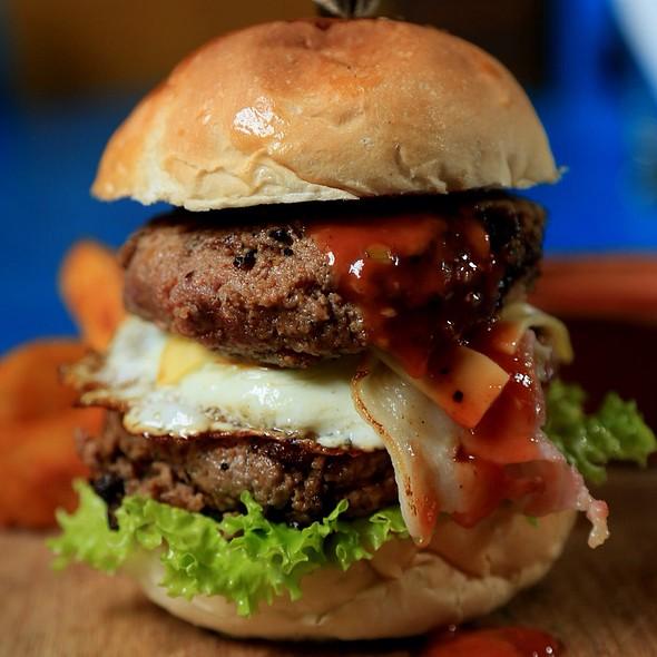 Breakfast Burger @ Colombo Fort Cafe