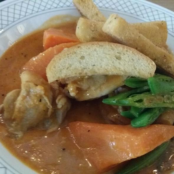 Grilled Chicken, Stewed Tomatos, Collard Greens, Green Beans, Coleslaw