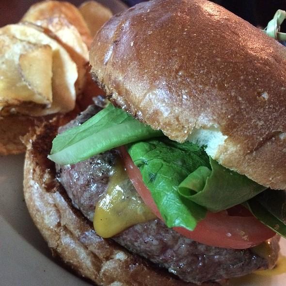 Hamburger @ Pier W