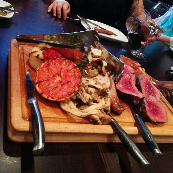 Per Terra, Mare e Aria   - vivo ristorante - Westend, Edmonton, AB