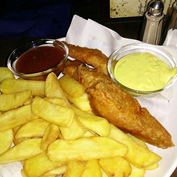 fischschuppen fish and chips at restaurant leicht entfernen